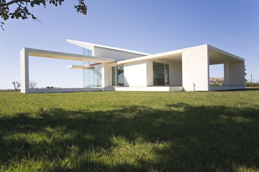 Роскошные дома: белая сицилийская вилла с панорамными окнами
