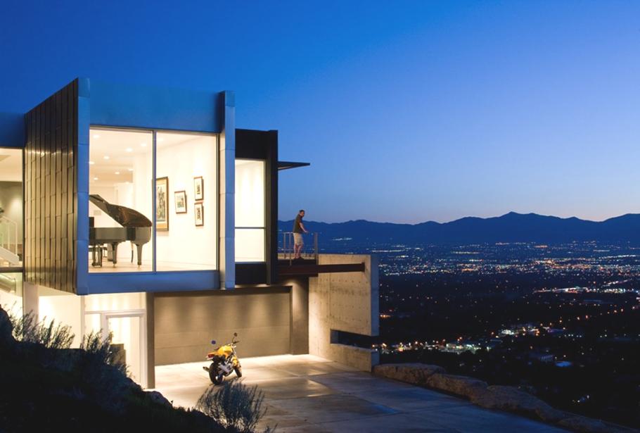 Архитектурно строительная экспертиза приняла стильную виллу в скалах над Salt Lake Valley